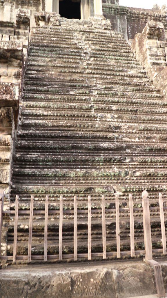 アンコールワット第三回廊への階段